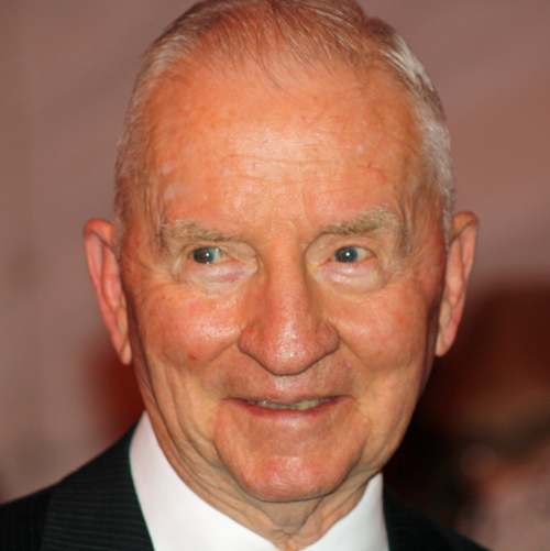Ross Perot Donates $20 Million  For Cancer Research