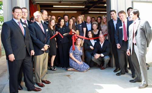 2010-2011 Associate Leadership Council Cuts Ribbon At Promise House