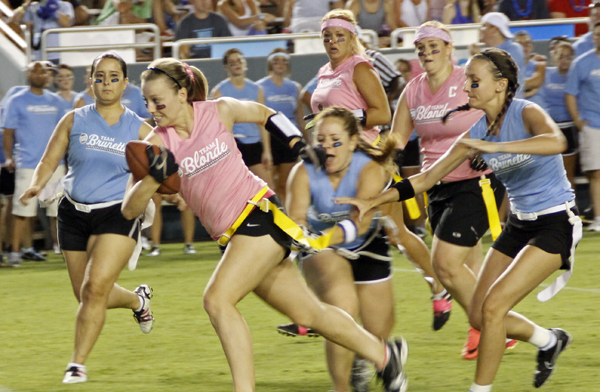 Blondes vs. Brunettes at the Cotton Bowl (File photo)