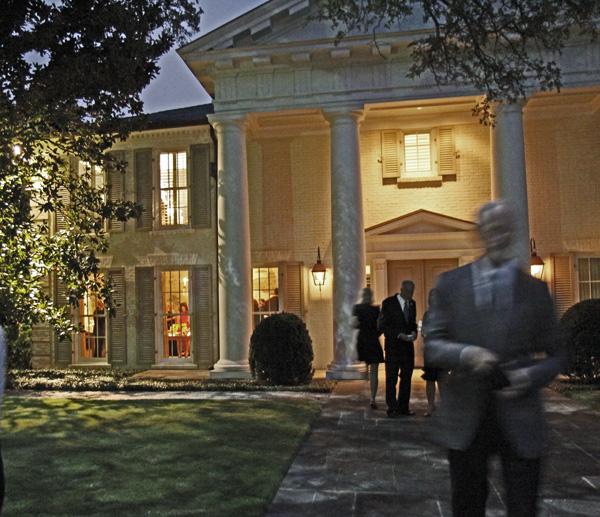 Elizabeth and Jeff Fronterhouse residence
