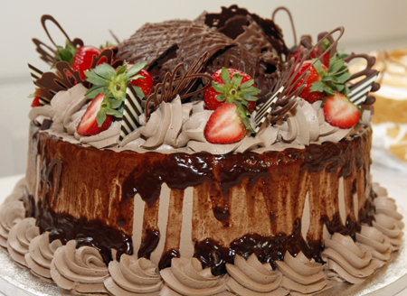 Auction cake