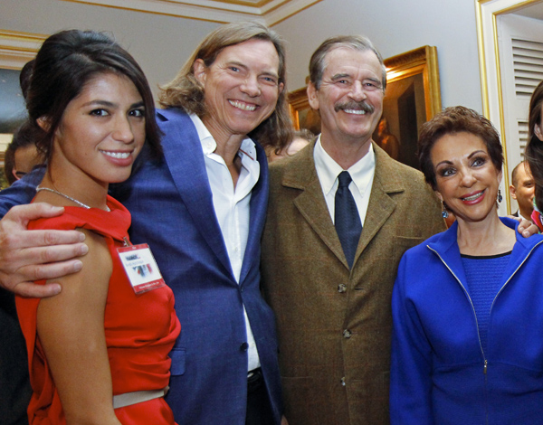 Kandis and Bill Hutchison and Vicente Fox and Marta Sahagun