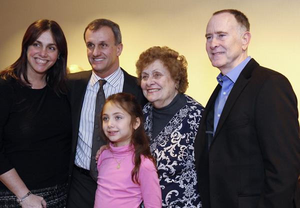 Maria Eugenia Peña, Lucilo Peña, Gabriela Peña, Maria Elena Peña and Lee Cobb