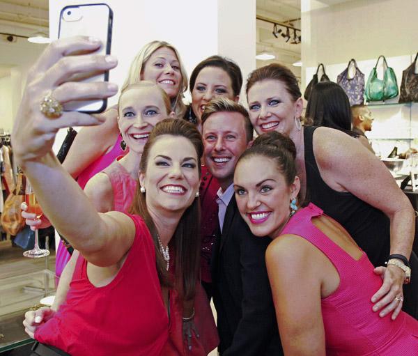 Selfie in pink