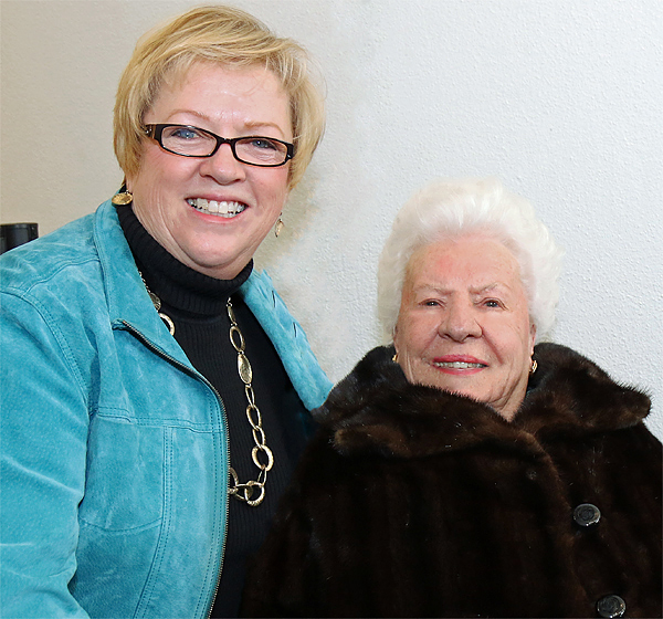 Jan Pruitt and Bette Perot