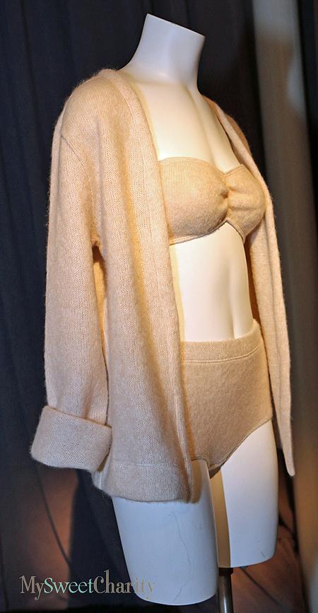 Cashmere lingerie