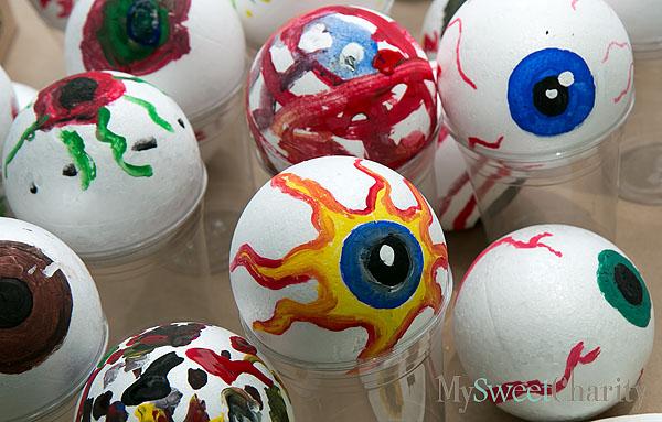 Tony Tasset's Eyeball Extravaganza