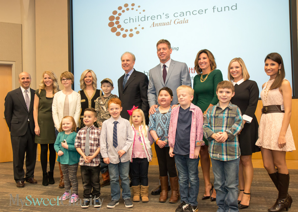 Roger Staubach And Troy Aikman Get Together With Children's Cancer Fund Kiddos For Photo Session At Children's Medical Center