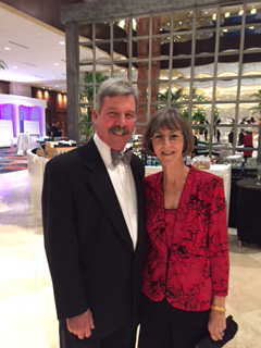 """Junior Leaguers' Black Tie Gala Was """"To Dallas With Love"""""""