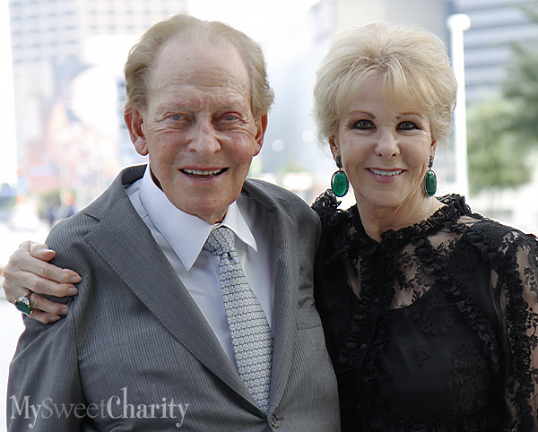 Harold and Annette Simmons (File photo)