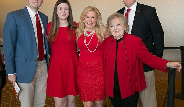 Go Red For Women Luncheon Speaker Alison Levine Inspired Guests To Conquer All Challenges Including Heart Disease By Being Relentless