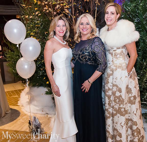 IMG_0927 Michaela Dyer, Ann Dyer and Layne Pitzer