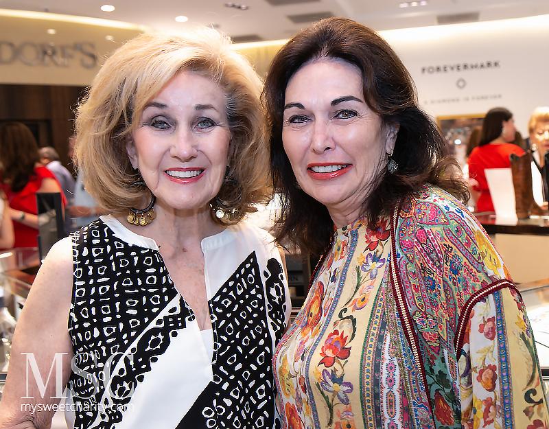 Doris Jacobs, Lee Bailey